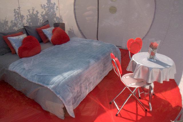 Dormir la belle toile avec attrap r ves pinc e de fantaisie - Bulle pour dormir a la belle etoile ...
